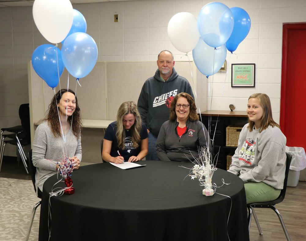 SF Senior Kara Hollingsworth signs with Missouri Baptist University